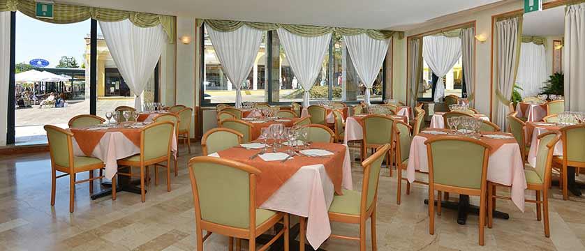Hotel Du Lac, Gardone Riviera, Lake Garda, Italy - dining room.jpg